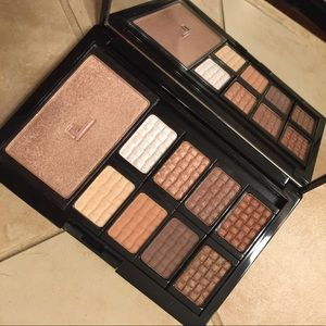 Doucce Eyeshadow Palette